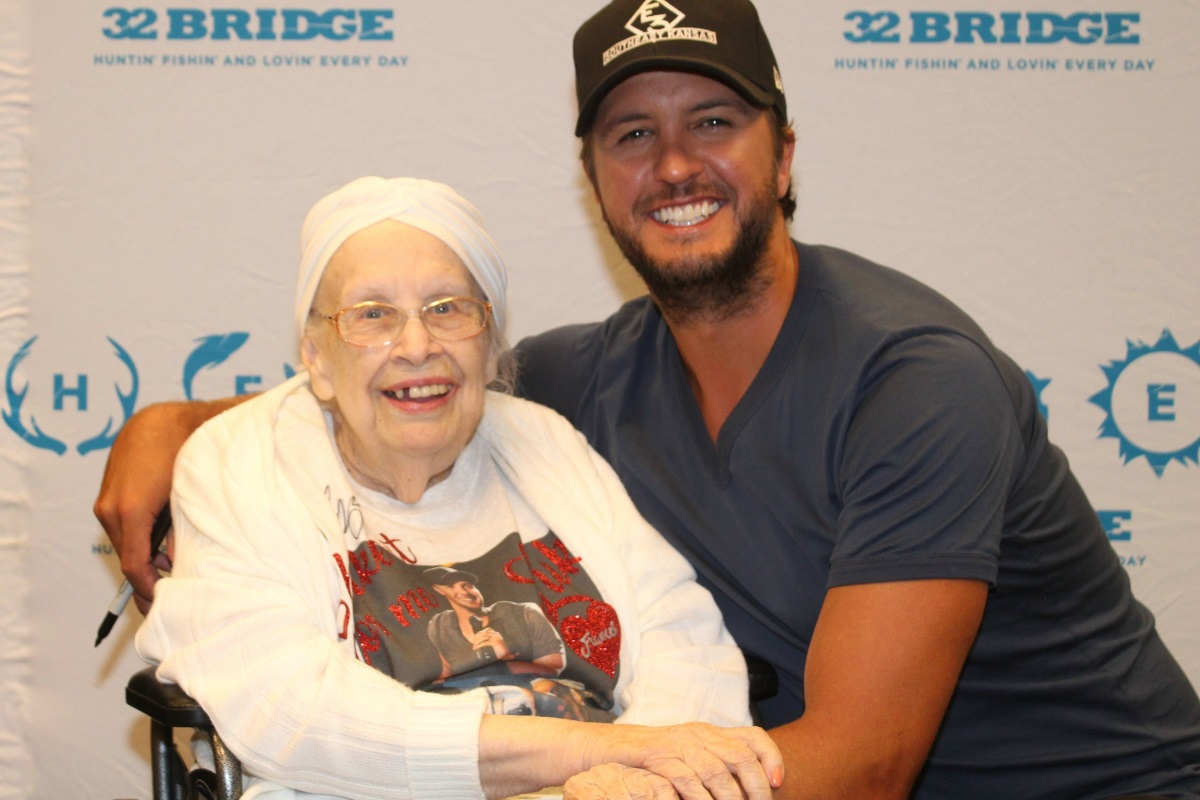 This 88-Year-Old Grabbed Luke Bryan's Butt & He Liked It